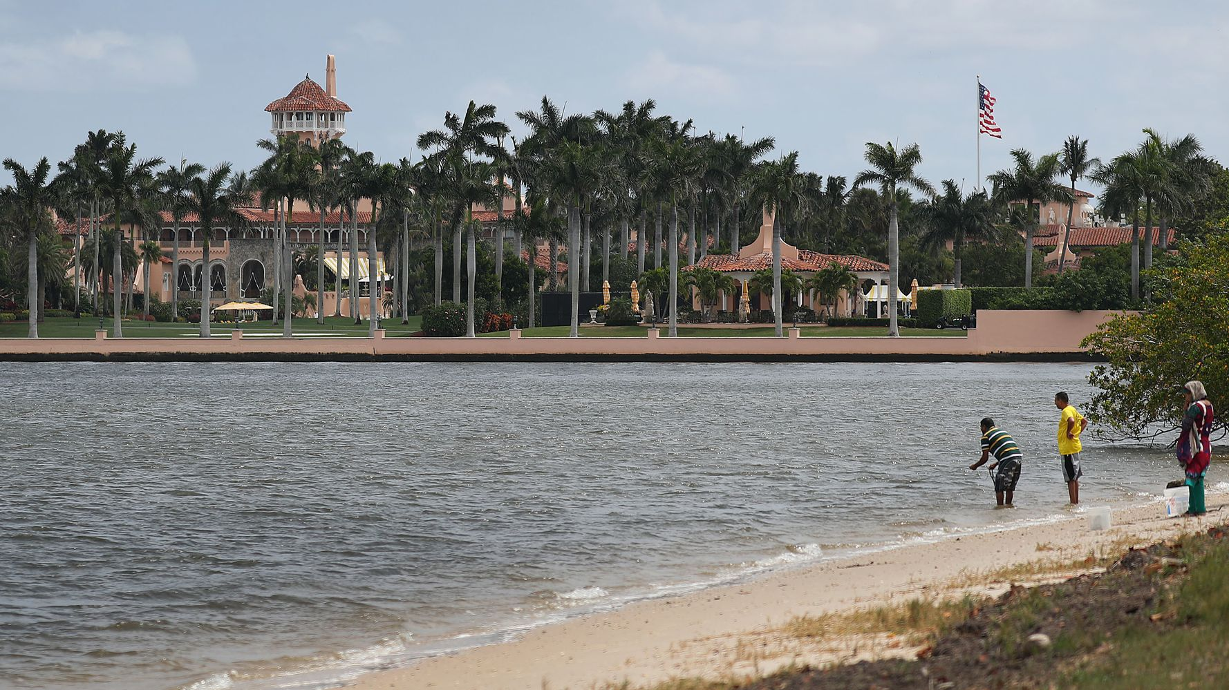 Pete Buttigieg Gets Fundraising Help From Longtime Mar-a-Lago Members