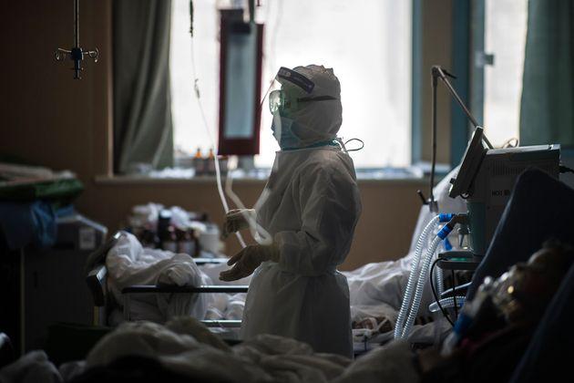 Le bilan des victimes du coronavirus en Chine au plus bas depuis trois semaines (photo prise dans un...