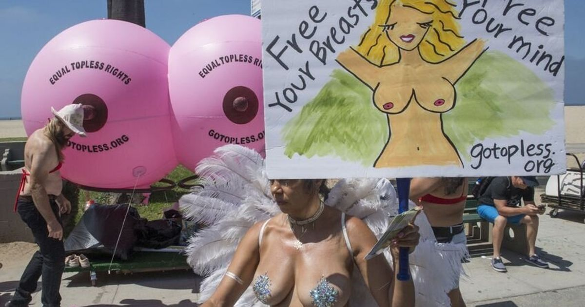Une Américaine plaide coupable d'attentat à la pudeur pour avoir été seins nus devant son mari