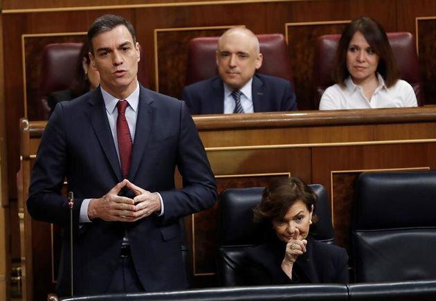 El presidente del Gobierno, Pedro Sánchez, durante una de sus intervenciones en la sesión de control...