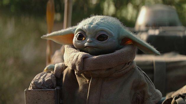 Baby Yoda en un fotograma de The Mandalorian