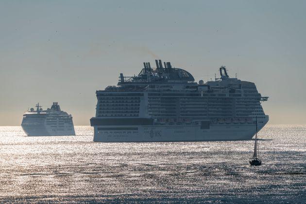 Nave da crociera italiana respinta da due porti nei Caraibi: