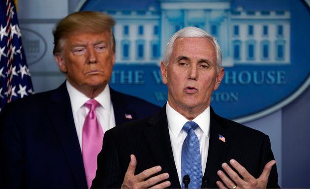 Donald Trump et Mike Pence en conférence de presse à la Maison Blanche ce mercredi 26 février