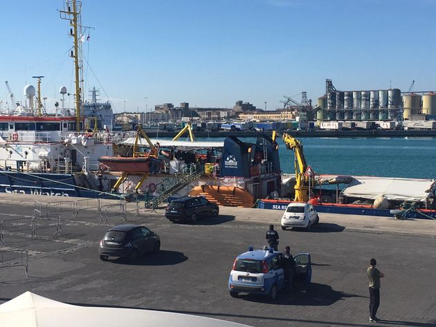 "Sea Watch arriva a Messina: ""Discriminatoria la quarant"