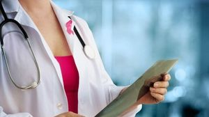 Καρκίνος Μαστού: Η επιστήμη προτείνει τη χορήγηση θεραπείας πριν από την