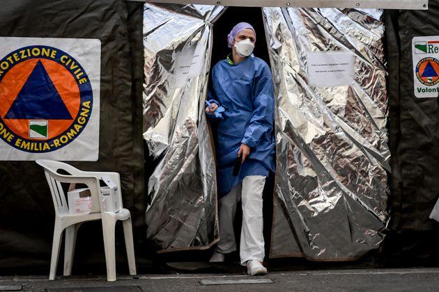 Italia aumenta en más de 100 sus casos de coronavirus por un error en el
