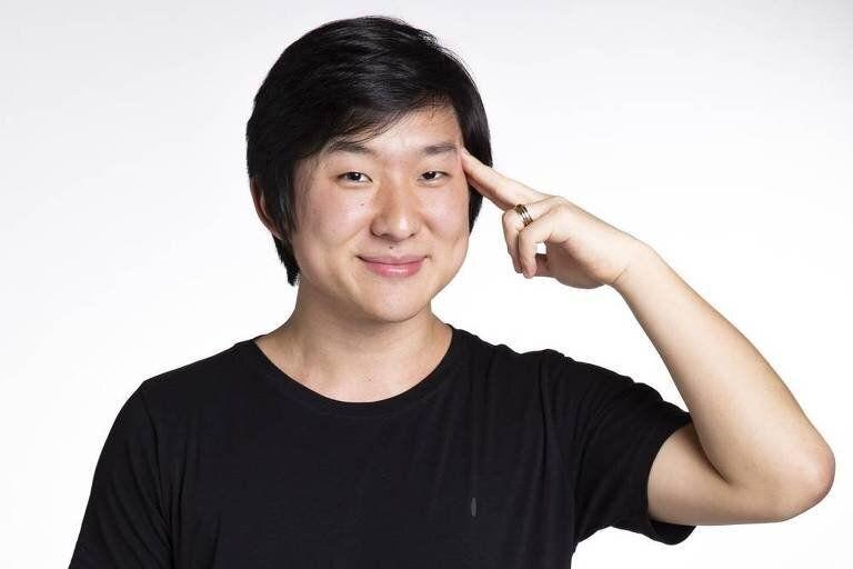 Youtuber com mais de 7 milhões de inscritos em seu canal, o mágico e hipnólogo Pyong...