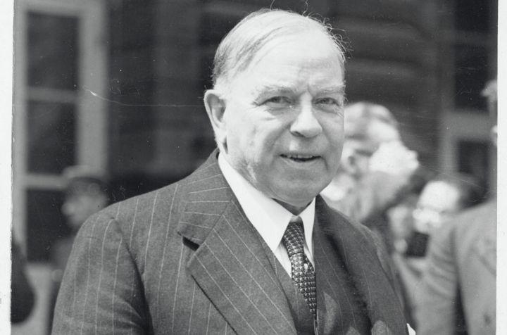 William Lyon Mackenzie King na Conferência de Paz de Paris em 1919, antes de tornar-se primeiro-ministro.