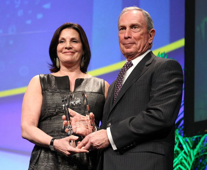 Jill Lafer presents former New York City Mayor Mike Bloomberg with the Global Citizen Award at the Planned Parenthood Federat