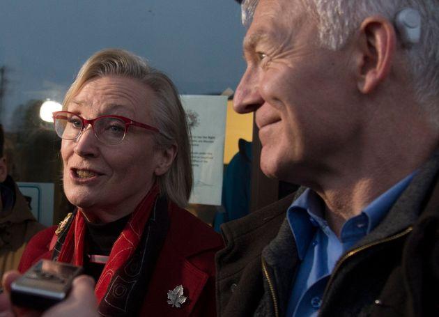 クラウン先住民関係大臣、キャロリン・ベネット、BC先住民族関係大臣スコットフレイザー...