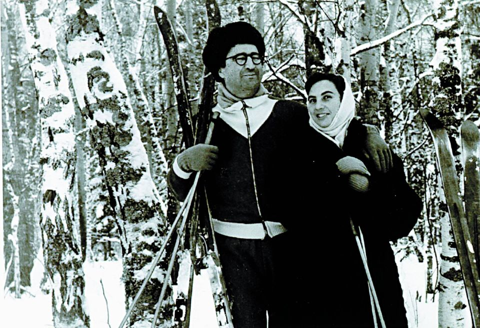 Η Άλκη Ζέη με τον άντρα της Γιώργο Σεβαστίκογλου το 1962 στη Μόσχα