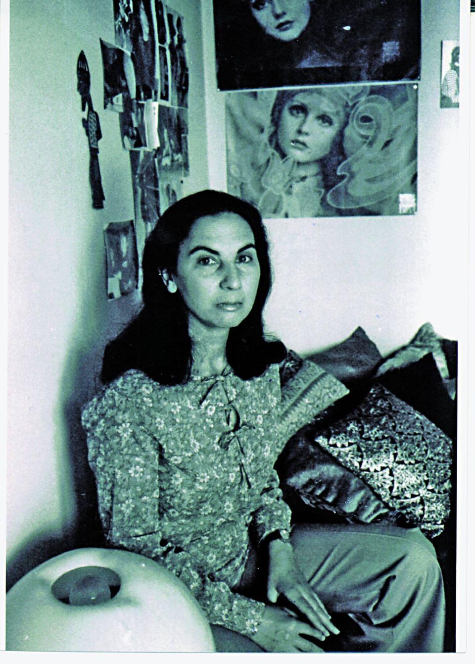 Παρίσι, 1970. Αυτοεξόριστη στο σπίτι του Τίτου Κολώτα