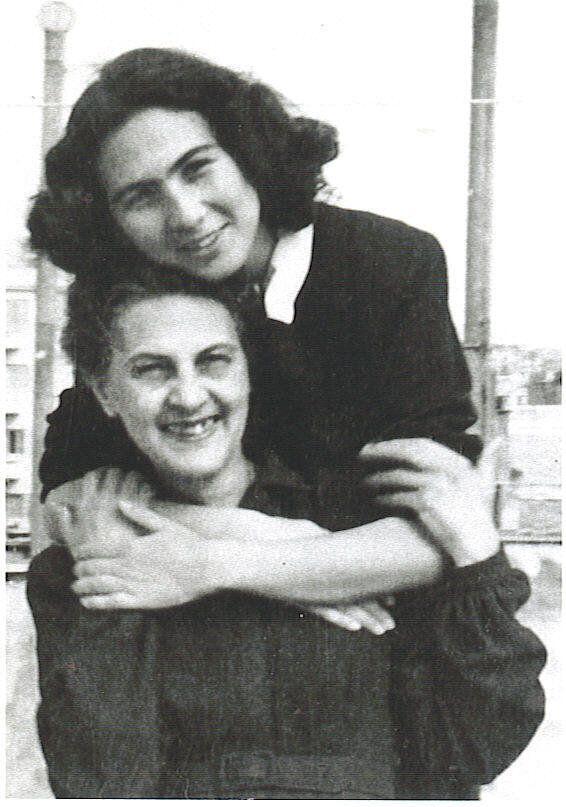 Η Άλκη με την μητέρα της