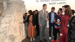 La foto de Díaz Ayuso con Felipe y Letizia en ARCO que no te debes creer: esto es lo que pasó