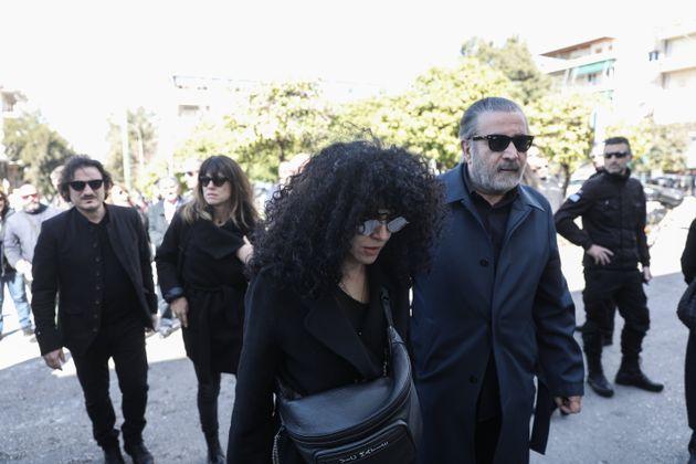 Μαρία Σολωμού, Λάκης Λαζόπουλος και αριστερά στο βάθος, Βασίλης Χαραλαμπόπουλος.