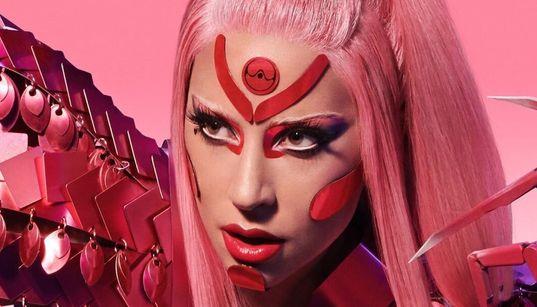 O dia mal começou e Lady Gaga já #sextou com seu novo single: 'Stupid