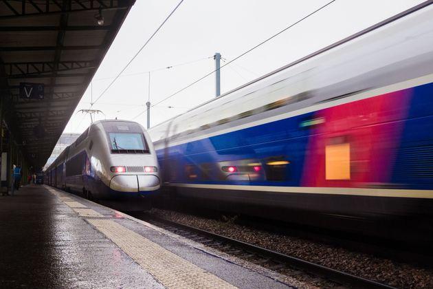 La SNCF affiche une perte nette de 801 millions d'euros en 2019, contre un bénéfice...
