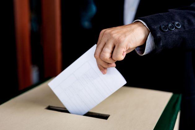 Perché rinviare il referendum sul taglio dei