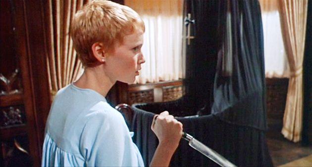 """Mia Farrow em """"O Bebê de"""