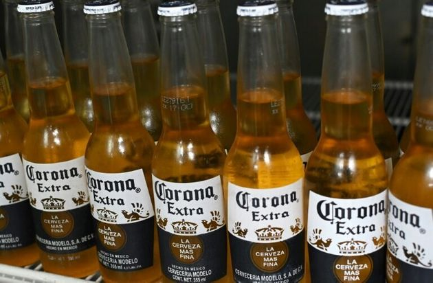 Corona USA a été critiquée pour une publicité semblant faire référence...