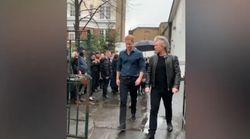 Il principe Harry e Bon Jovi ad Abbey Road: cantano insieme per
