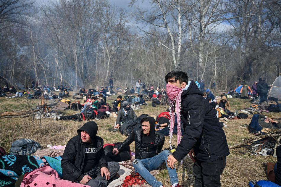 «Παγιδευμένοι» μετανάστες στα σύνορα Τουρκίας-Ελλάδας