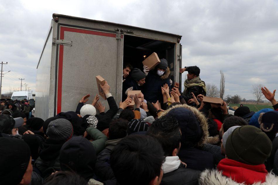 Μετανάστες στα σύνορα Ελλάδας-Τουρκίας