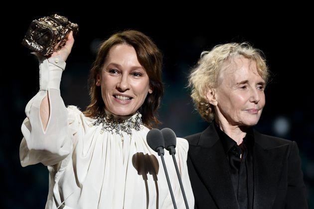 Emmanuelle Bercot et Claire Denis lors de la cérémonie des César à Paris...