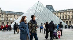 Chiuso il Louvre di Parigi: