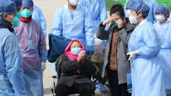 Guarita la donna più anziana affetta da coronavirus a Wuhan: ha 98