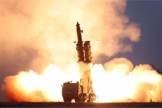 북한은 지난해 11월 28일 오후 함경남도 연포 일대에서 발사한 발사체에 대해 '초대형 방사포 연발시험사격'이라고 밝혔다.