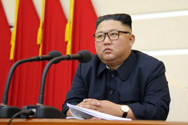 Une non datée publiée le 29 février 2020 par l'agence de presse KCNA, montrant Kim...