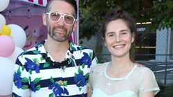 Amanda Knox festeggia il matrimonio con mega festa a tema Star