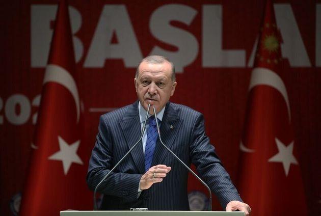 Ερντογάν: Ανοίξαμε τις πόρτες. Εκατομμύρια πρόσφυγες θα κατευθυνθούν προς την