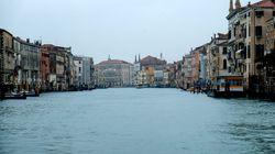Los canales de Venecia vacíos por el temor al