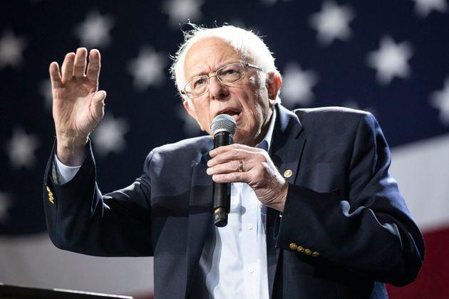 Bernie Sanders durante un acto de