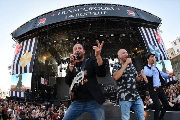 Tryo reporte son concert à l'AccorHotels Arena à cause du coronavirus (le groupe ici en concert à La...