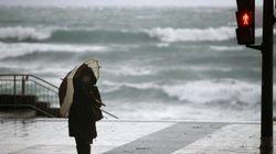 España, en aviso por la borrasca 'Karine' con riesgo extremo por olas en País Vasco, Asturias y