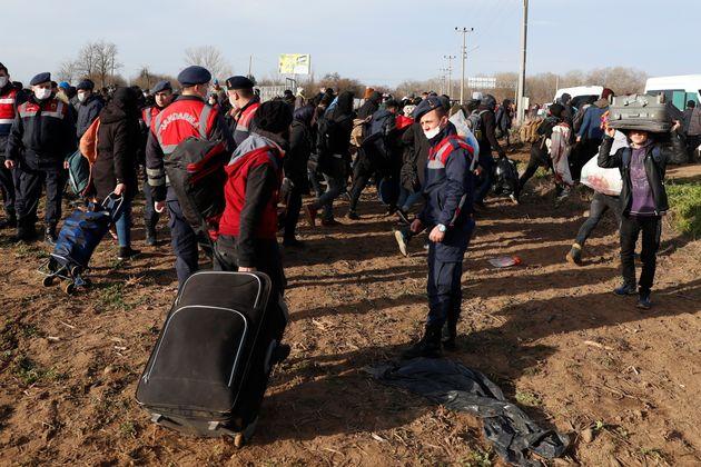 Πάνω από 130.000 μετανάστες έρχονται στην Ευρώπη από την Τουρκία, λέει ο Τούρκος υπουργός