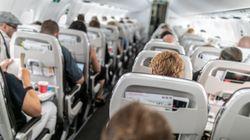 La imagen duele: lo que le pasó a un pasajero de avión cuando el de delante reclinó su