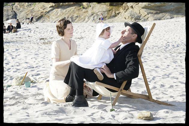 Isabelle Carré et Lambert Wilson en Yvonne et Charles de Gaulle, avec leur fille Anne