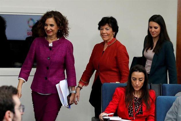 Las ministras de Educación, Hacienda e igualdad (de i a d) Maria Jesús Montero, Isabel Celaa e Irene