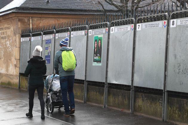 Des panneaux pour les municipales à Paris, le 2 mars 2020. (photo