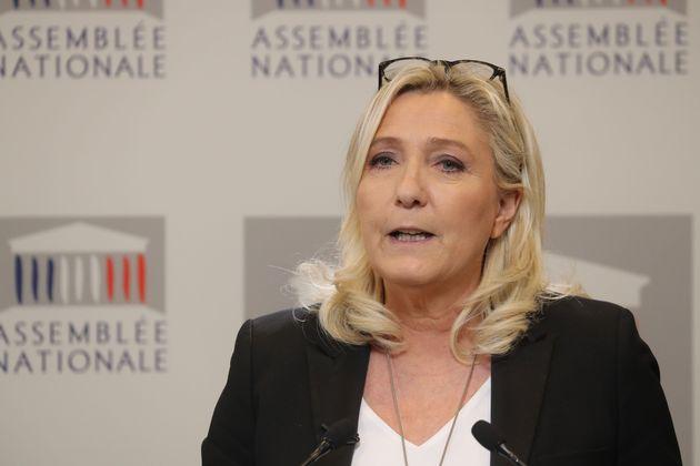 Marine Le Pen en conférence de presse à l'Assemblée nationale mardi 3