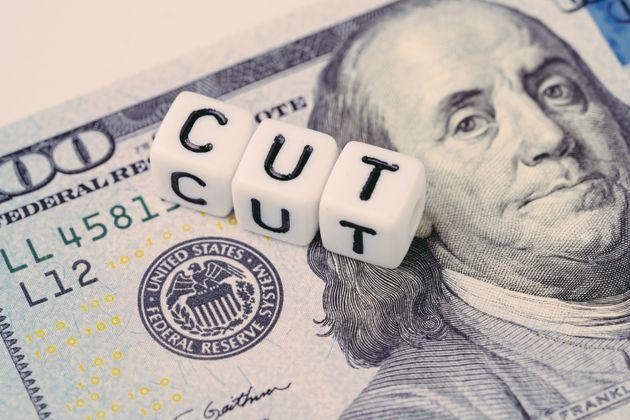 Η Fed μείωσε κατά 0,50% τα επιτόκιά της λόγω