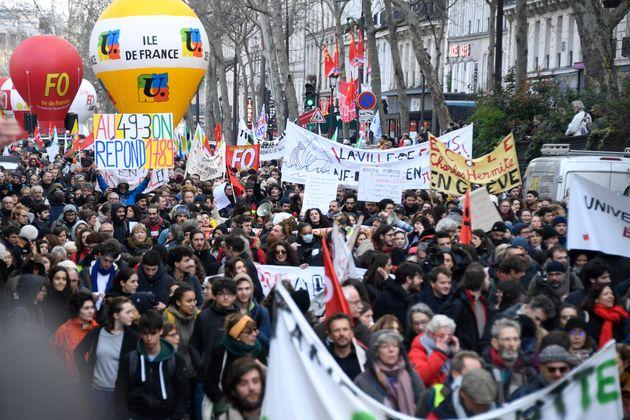 Une manifestation contre la réforme des retraites, le 3 mars à