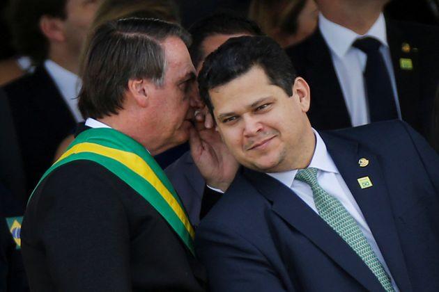 Davi Alcolumbre esteve com o presidente e cobrou dele que parasse de atacar o