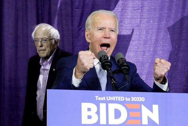 Avec le Super Tuesday, Joe Biden stoppe Bernie Sanders dans son