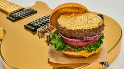 Hard Rock Cafe lança burger coberto com ouro 24k -