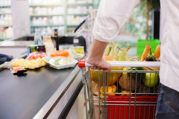 """""""Atualmente, não temos conhecimento de nenhum relatório de doenças humanas que sugira que o COVID-19 possa ser transmitido por alimentos"""", diz porta-voz do Serviço de Inspeção e Segurança Alimentar do USDA."""